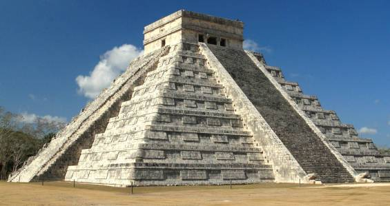 El-Castillo-Chichen-Itza-original-3